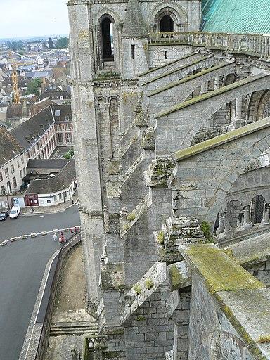 Cathédrale de Chartres, arcs-boutants 01