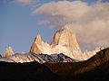 Cerro Fitz Roy, Argentinien (10423452643).jpg