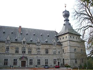 Chimay - Image: Château Chimay 2
