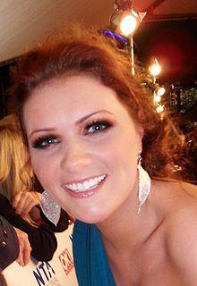 Chelsea Halfpenny actress