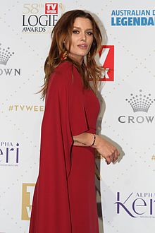 Cheyenne Tozzi arrives at the 58th Annual Logie Awards at Crown Palladium (26300168633).jpg