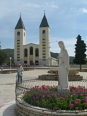 Religion in Bosnia and Herzegovina - The statue and the Marian shrine of Međugorje.