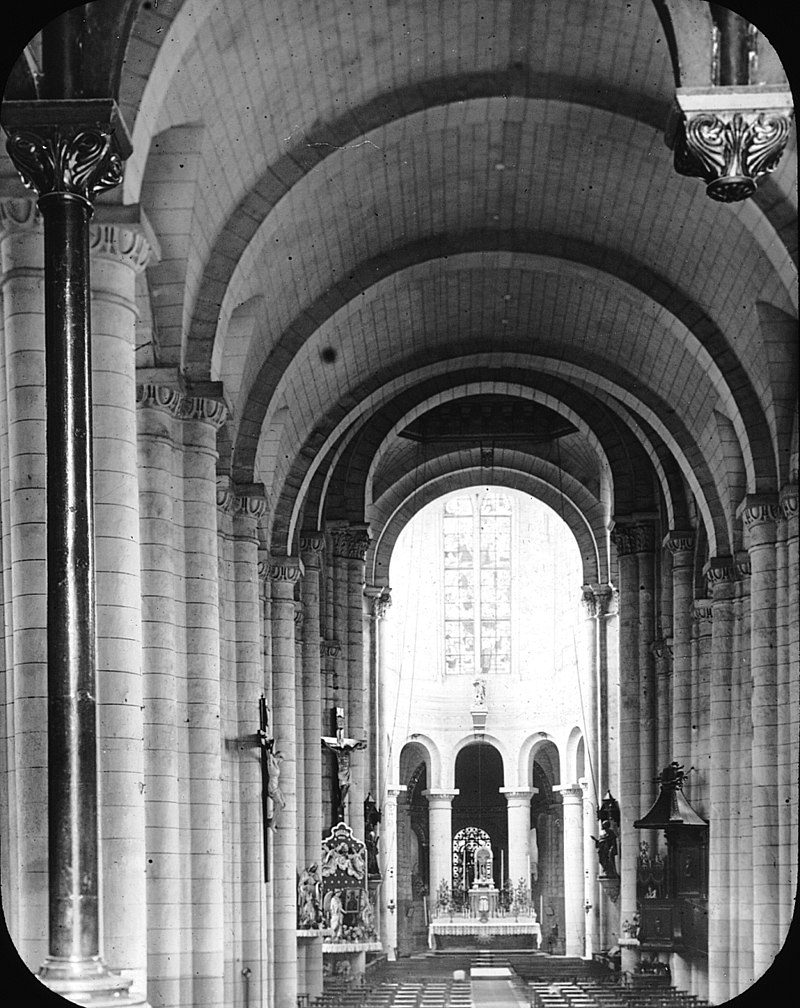 Church of Montierneuf, Poitiers, France, 1903. (2787320873).jpg