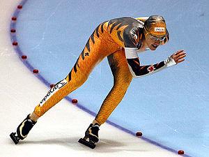 Clara Hughes - Hughes skating in 2007