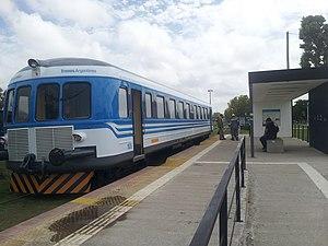 University train of La Plata - Image: Coche NOHAB parada