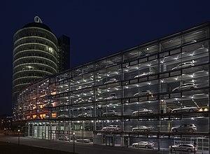 Concesionario de Mercedes-Benz, Múnich, Alemania, 2013-03-30, DD 27.JPG