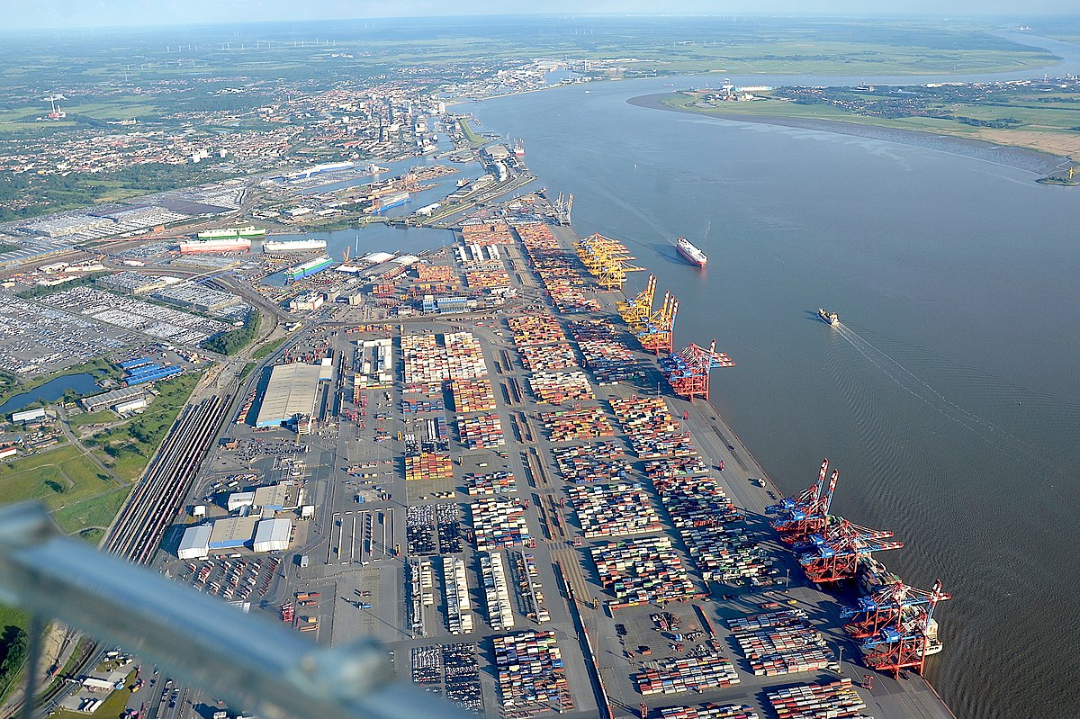 Container-Terminal Bremerhaven and Autoport (2019).jpg