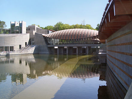 "Pavilion of restaurant ""Eleven"" with the main lobby building and 19th-century galleries at left Crystal Bridges Museum of American Art--2012-04-12B.jpg"
