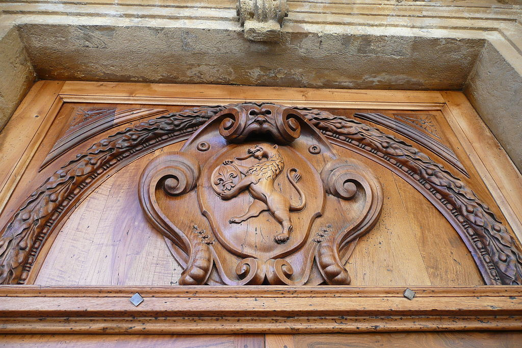 File d tail de la porte de l 39 h tel de ville salon de for Porte ouverte salon de provence