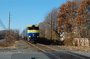 Single-track railway - A train on the Long Island Rail Road's single-tracked Central Branch