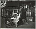 De schilderes S.J.W. Jansen-Grothe in haar atelier, gefotografeerd door Sigmund Löw in 1903.jpg
