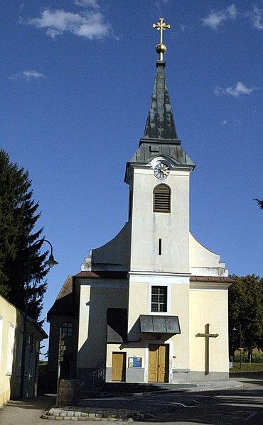 File:Deinzendorf Kirche.jpg
