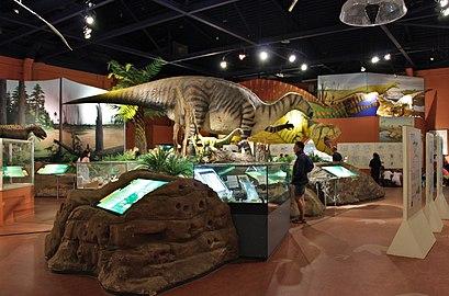 Dinosaur hall-DinosaurIsle1