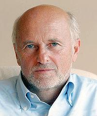 Dirk Rossmann Portrait.jpg