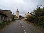 Dompierre-sur-Mont - Rue principale (D470) et église.jpg