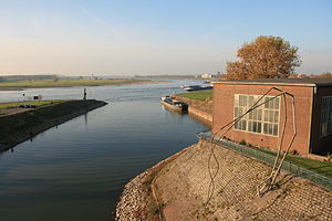 Duisburg - Eisenbahnhafen 03 ies.jpg