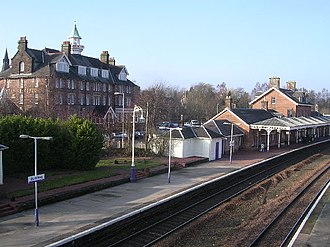 Dumfries railway station - Station with station hotel behind