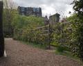 Dunbar's Close Gdn, Royal Mile Edinburgh 001.png