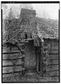 ENTRANCEWAY BETWEEN ROOMS OF MAIN CABIN - Junglebrook Cabin, Airport Road, Gatlinburg, Sevier County, TN HABS TENN,78-GAT.V,2A-2.tif