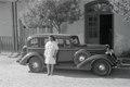 ETH-BIB-Abessinier vor Auto-Abessinienflug 1934-LBS MH02-22-0960.tif