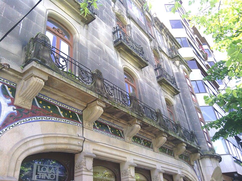 Edificio Mulder detalle balcón corrido