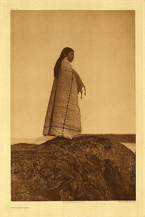Cowichan Tribes - Cowichan girl, 1913 (Edward Curtis).