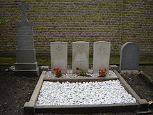 Eggewaartskapelle - British graves 1.jpg