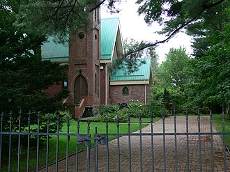 East Farnham - Image: Eglise east farnham