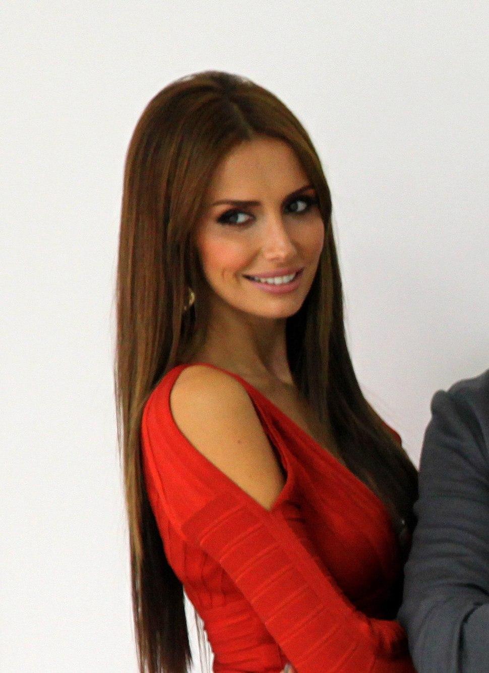 Emina Jahović 2013 (2)