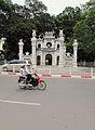 Entrance to Quan Tanh temple (7360945292).jpg