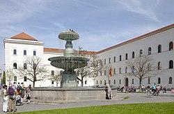 Facultad de Derecho de la Universidad Ludwig-Maximilian, Múnich, Alemania, 2012-04-30, DD 02.jpg