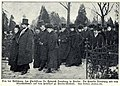 Familie Dernburg bei der Beisetzung des Prof.Heinrich Dernburg, 1907.jpg