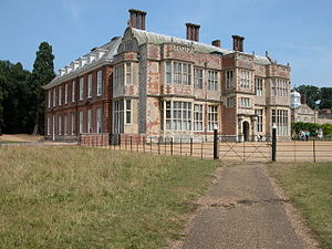 Felbrigg Hall - View of Felbrigg Hall from the south, showing the Jacobean east wing, c. 1624 (right) and the west wing, c. 1680 (left)