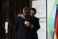 Fernández Tarrío abraza a Ortega Lara.jpg