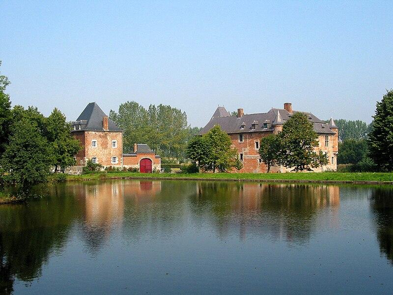 Noville-les-Bois  (Belgium), the Fernelmont castle (XIII/XVIIth centuries).