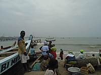 Fishermen in Jamestown, Accra 02.jpg