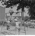 Fotothek df ps 0003650 Kinder ^ Kinderbeschäftigungen ^ spielend.jpg