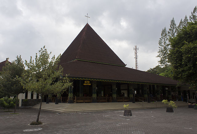 http://upload.wikimedia.org/wikipedia/commons/thumb/3/39/Ganjuran_Church_exterior_front_%283%29.JPG/640px-Ganjuran_Church_exterior_front_%283%29.JPG