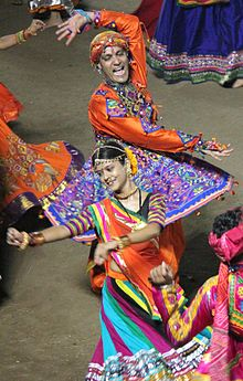 5a3450d1f Garba (dance) - Wikipedia