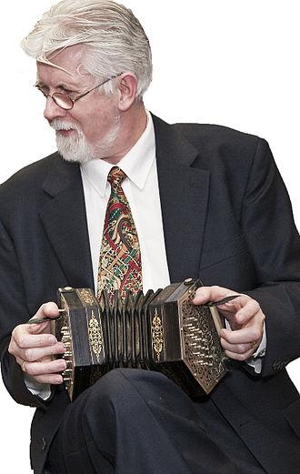 Concertina - Irish historian Gearóid Ó hAllmhuráin