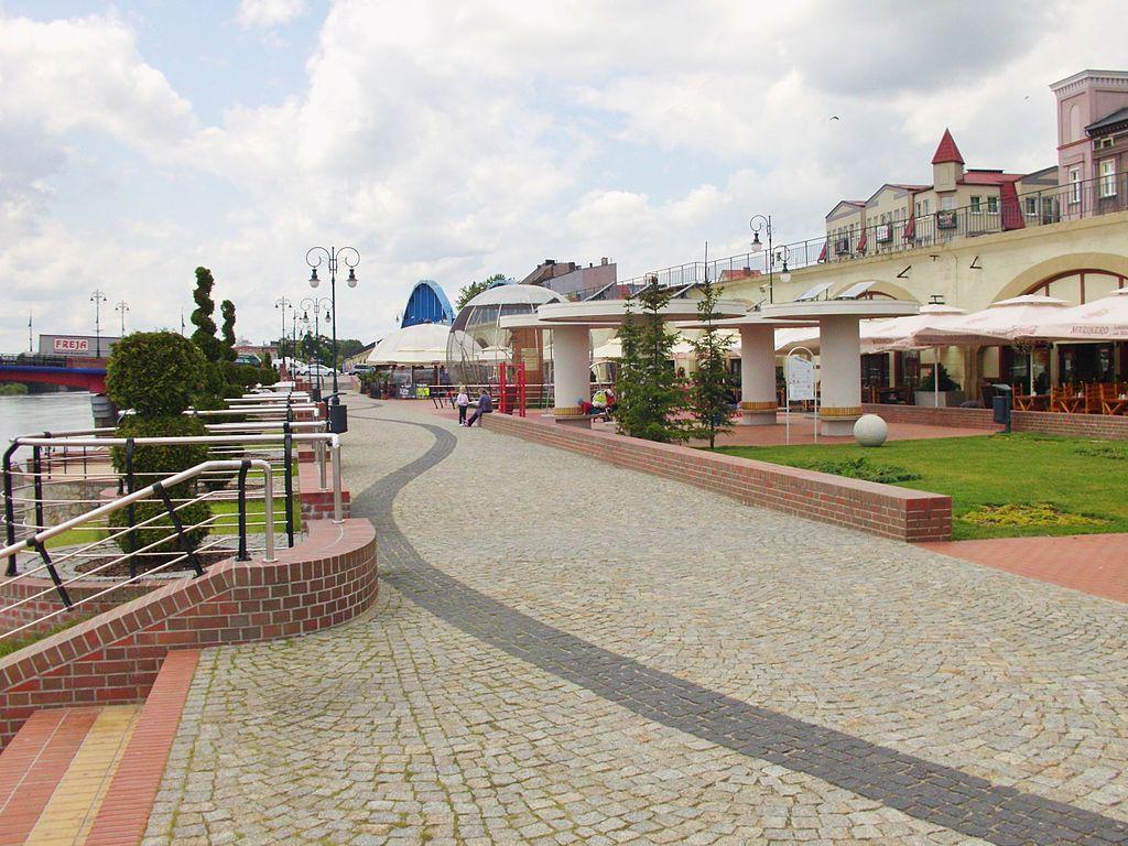 Gorzow-Warthe-Promenade (1)