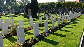 Ypres Town Commonwealth War Graves Commission Cemetery and Extension - Image: Gravestones in Ypres Town CWGC Cemetery