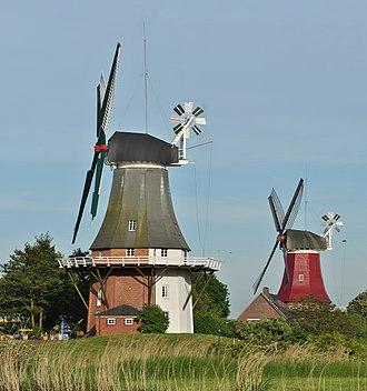 Greetsiel - Image: Greetsieler Zwillingsmühlen 2010