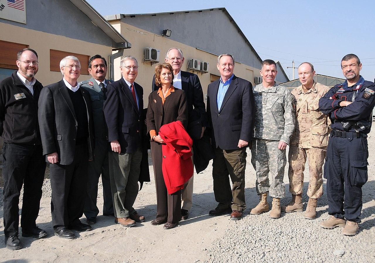 Group photo with U.S. Senators during a tour (4278160089).jpg