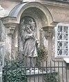 GuentherZ 2011-03-25 1990 Wien08 Lederergasse Statue Johannes Nepomuk.jpg