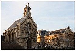 Hôpital Saint-Louis de Saint-Germain-en-Laye.jpg