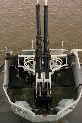 HMS Belfast - Bofors 40 mm gun top view 2.jpg