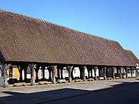 Halles médiévales de la Ferrière-sur-Risle (Eure).jpg
