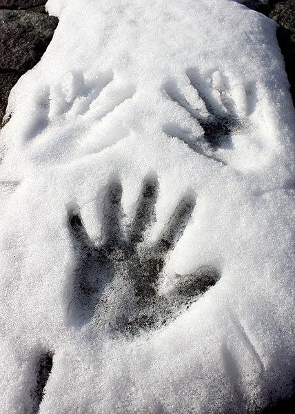 ¿Las huellas en la nieve nos definen como seres humanos?