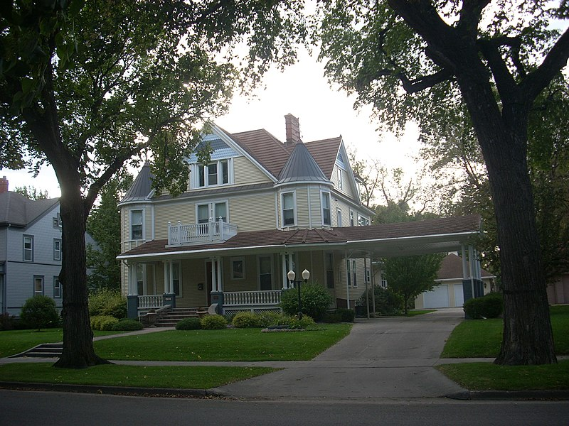 File:Harriet and Thomas Beare House, Grand Forks North Dakota.jpg